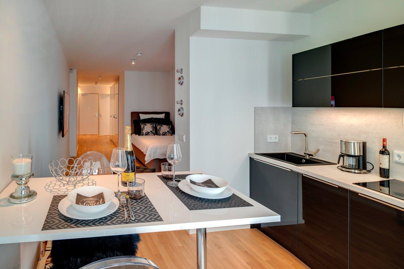 1-room apartment | furnished | parquet flooring | Munich-Schwabing ...
