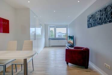 First occupancy in Schwabing - Modernized apartment with the latst equipment