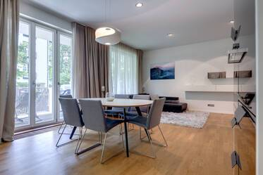 Peaceful premium apartment with 2 rooms and garden in the heart of Munich
