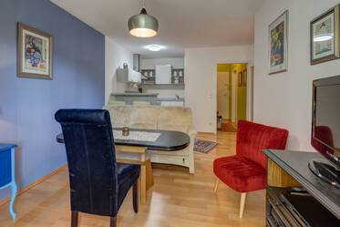 Temporary living in Munich Pasing: comfortable 2-room apartment with balcony