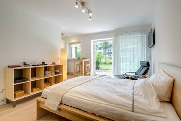Furnished studio apartment with terrace and garden in Munich-Nymphenburg