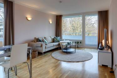 Beautifully furnished apartment in Bogenhausen