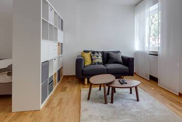 In central Schwabing: Beautifully furnished, modern 1-room apartment
