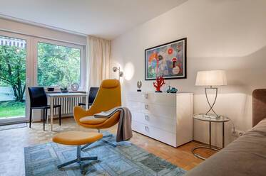 Best location in Maxvorstadt: Beautiful, like new 1-room apartment with terrace