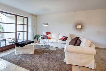 Beautifully furnished, spacious 2-room apartment with garden and terrace in Munich-Harlaching