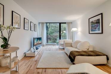 High-quality furnished 2-room apartment in top location in Schwabing