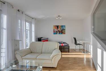 Bright and sunny, furnished 1-room apartment in Munich-Berg am Laim