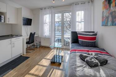 Bright and sunny! Small furnished 1-room aparment in Munich-Berg am Laim