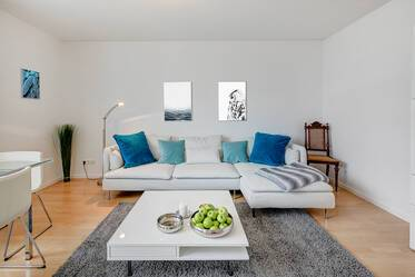 Munich-Berg am Laim: Very beautiful, bright 3-room apartment (newly furnished in 2017)