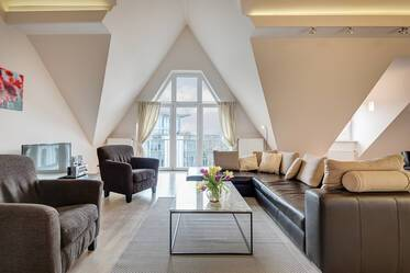 Beautifully furnished 2.5- attic apartment  München Isarvorstadt