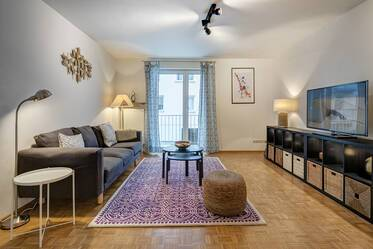 At the Gärtnerplatz, near Isartor in sought-after location: Beautifully furnished 2.5-room apartment