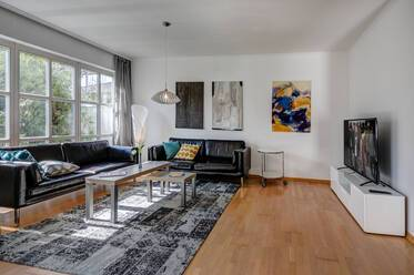 Nicely furnished semi-detached house  Großhadern
