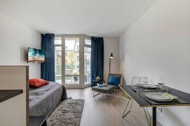 Top location in Munich-Lehel, near the Isar: fully furnished, modern 1-room apartment with balcony