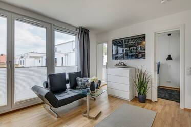 "Very beautiful 1.5-room apartment in new residential area ""Am Mitterfeld"" in Munich-Trudering"