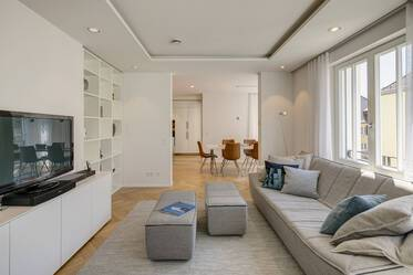High-quality new construction (2016) in exclusive location: beautiful 5-room apartment