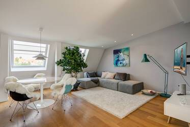 Beautifully furnished 2- attic apartment  München Maxvorstadt
