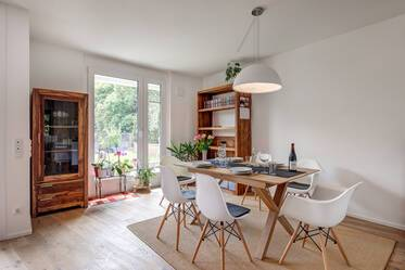 Beautifully furnished 4-room maisonette in Munich Bogenhausen