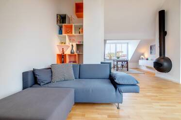 Light-flooded, loft-style 2-room apartment with spectacular view in Munich-Schwabing