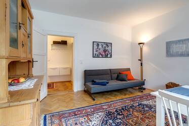 Charming 3-room period-apartment from the 1930s in Munich-Laim, fully furnished and equipped
