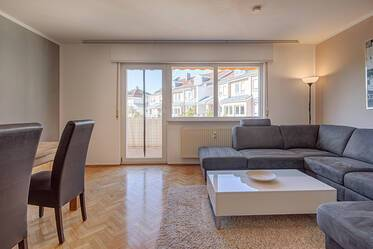 Bright 2-room apartment with large balcony, including underground parking garage
