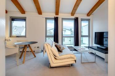 Beautifully furnished attic apartment  Obermenzing