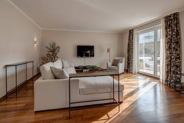 Premium: beautifully furnished 4-room apartment in Munich Schwabing