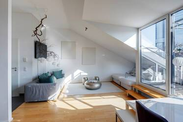 Light-flooded roof terrace apartment in good location, Munich-Bogenhausen