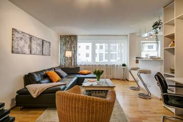 Spacious 1-room apartment (44m²) near BMW, Munich-Milbertshofen