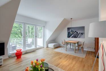 First-time occupancy in newly furnished attic apartment in Munich-Bogenhausen