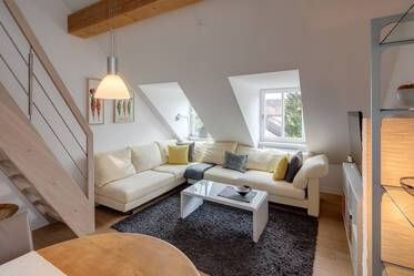 Stylish, furnished 3-room maisonette apartment with gallery in Munich-Forstenried