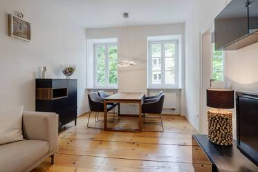 Highly sought-after location in Munich-Maxvorstadt: very beautiful 2.5-room  apartment