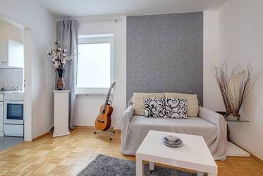 Nicely furnished 2-room apartment in Munich Schwanthalerhöhe