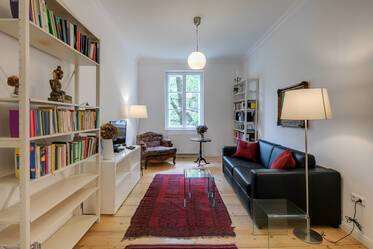 Good location in Neuhausen, near Rotkreuzplatz- very lovely 2-room period apartment