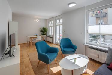 Munich-Lehel, near Isar: Beautiful, furnished 2-room apartment facing the quiet, green courtyard