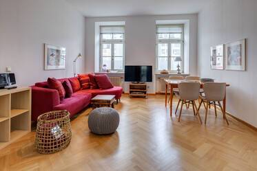 Period apartment meets prime location: Nicely furnished 3-room apartment in Lehel