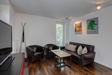 Modernly furnished 3-room apartment with private entrance in Munich-Giesing