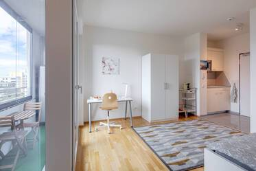 Bright 1-room student apartment in Laim with optional underground parking space