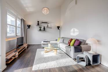 Premium: exclusive, high-quality furnishings 2-room apartment with roof terrace in Munich Bogenhausen