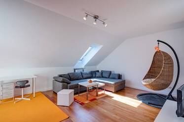 2-room apartment with optimal floorplan and beautiful roof-terrace in Munich-Schwabing