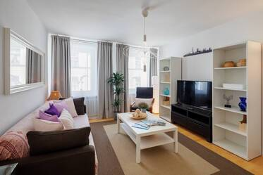 2-room apartment in prime location in Lehel at the Thierschplatz