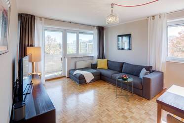 Beautifully furnished 4-room apartment in Munich Feldmoching