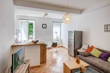 Fully furnished: beautiful 2-room apartment in Munich-Westend