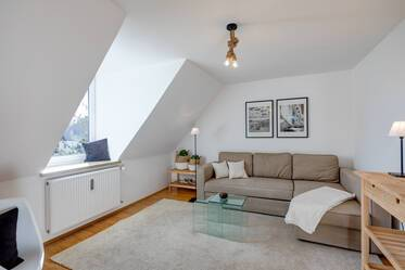 Very beautiful, newly furnished 2-room attic apartment in Munich-Nymphenburg