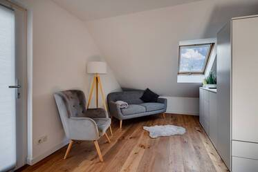 Cozy 2-room attic apartment in Obermenzing