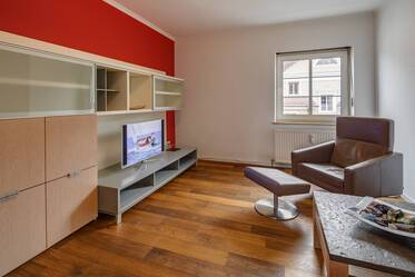 Nicely furnished 2.5-room apartment in Munich Neuhausen
