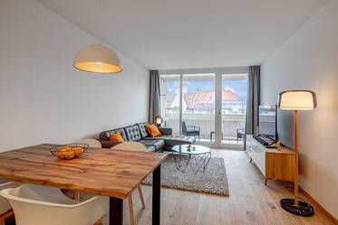 First occupancy: Newly furnished 2-room apartment with pool & roof terrace near Münchner Freiheit
