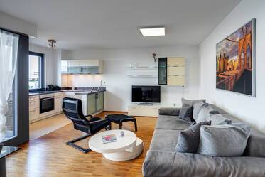 At the Riemer Park: Modern 2-room apartment with balcony