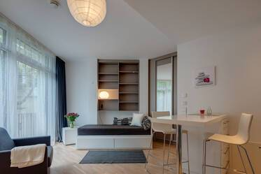 Bogenhausen - Modern 1-room apartment with concierge service