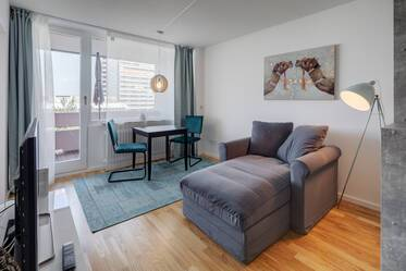 First occupancy in newly furnished and renovated 1-room apartment in Munich-Laim