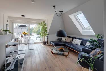 Beautifully furnished attic apartment  Großhadern